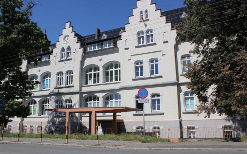 Na zdjęciu szpital powiatowy w Dzierżoniowie.