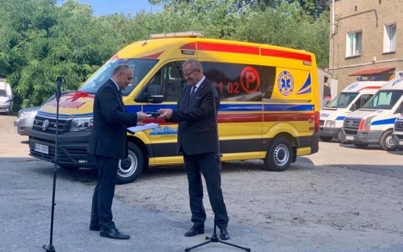 Nowa karetka dla Szpitala Powiatowego w Dzierżoniowie