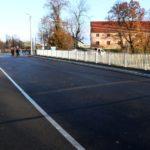 Most w Mościsku - widok z mostu na jezdnię