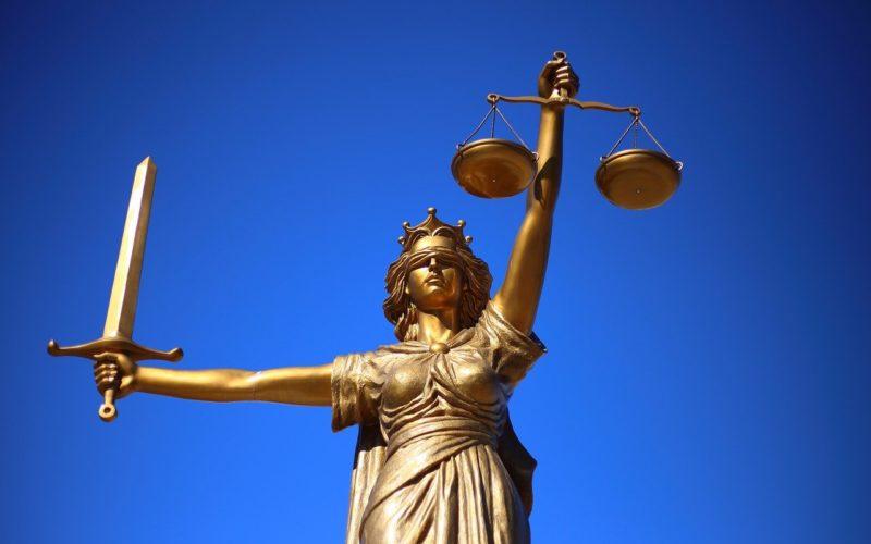 Symbol prawa - pomnik temidy
